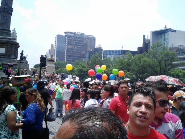 Así se ve, cuando empezaba a llegar la gente al Ángel de la Independencia.