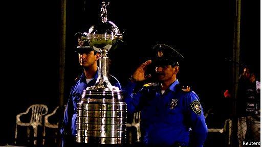130718010416_trofeo_libertadores_512x288_reuters