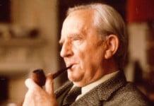 ¿Quién es JRR Tolkien?