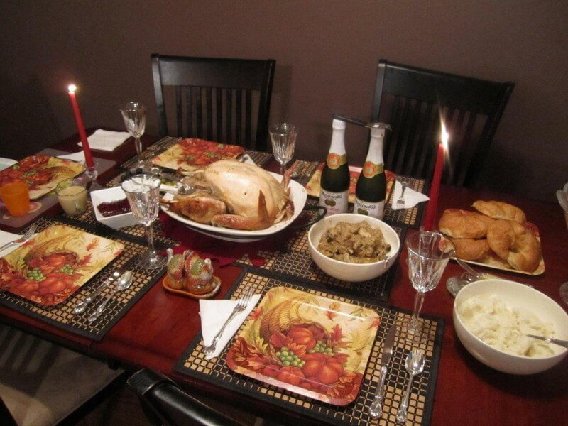 happy thanks giving day dinner