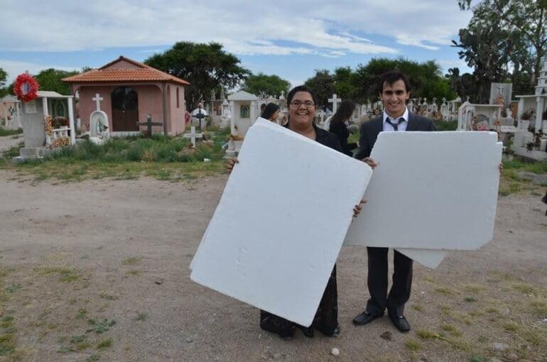 Andrea Faz Maquillista y el director de iluminación Iosu Curiel