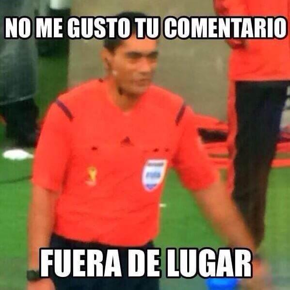 Humberto Clavijo, quien le anuló dos goles a México. ¿Estoy en un meme? Fuera de lugar
