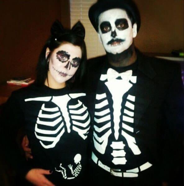 Que miedo en hallowen un bebe nuevo en esqueleto