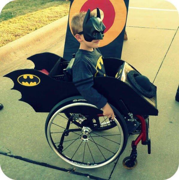 halloween en silla de ruedas batman