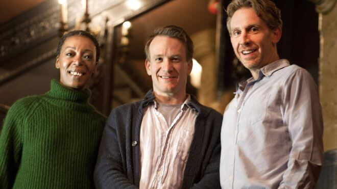 Noma Dumezweni (Hermione), Jamie Parker (Harry), y Paul Thornley (Ron)