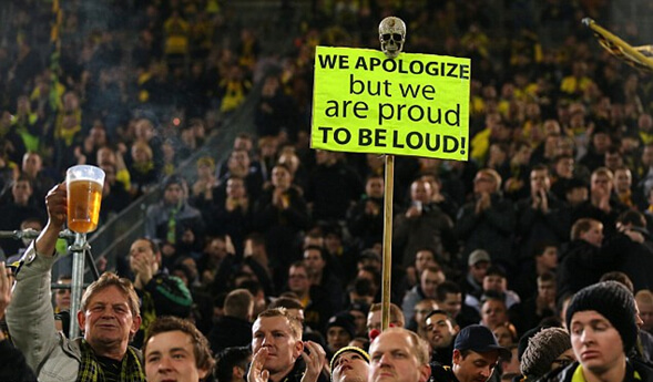 """We apologize but we are proud to be loud!"" – ""nos disculpamos pero estamos orgullosos de ser ruidosos"""
